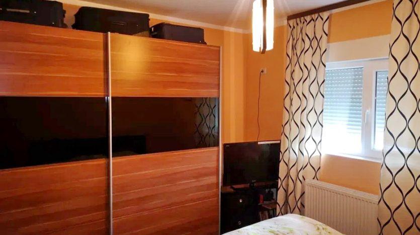 De vanzare apartament 3 camere, Dumbravita
